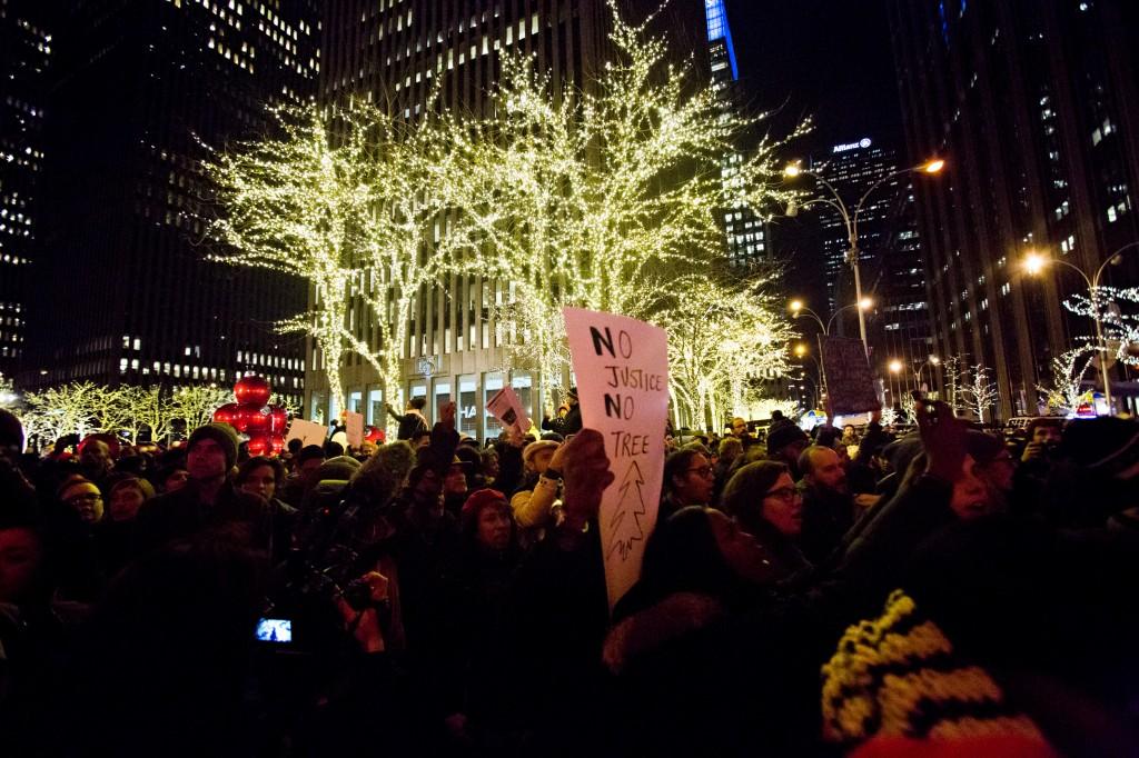 marchers no justice no tree